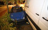 7 oktober Automobilist belandt tussen bestelbus en boom Guntersteinweg Den Haag