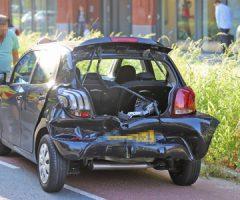 18 september Weg vol met glas na aanrijding tussen 2 voertuigen Martinus Nijhofflaan Delft