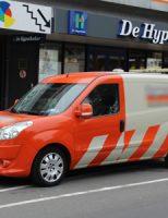 10 juli Opzittende scootmobiel gewond na aanrijding met busje Hengelolaan Den Haag
