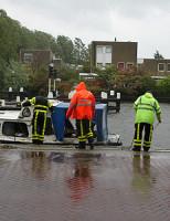 13 oktober Schipper vaart met bootje tegen brug Zuideinde Delft
