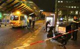 5 december Bezorger ramt bushokje en raakt gewond Waldorpstraat Den Haag