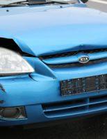 6 december Berger moet auto afslepen na aanrijding Burgemeester van Doornlaan De Lier