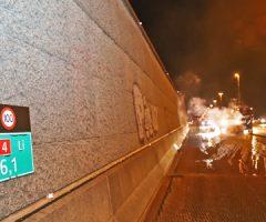 8 september Auto gaat volledig in vlammen op A4 Schipluiden