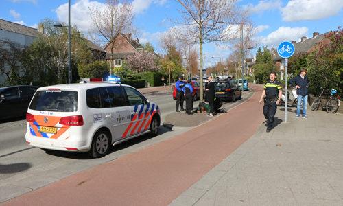 """<h2><a href=""""http://district8.net/3-mei-persoon-gewond-na-aanrijding-met-fietser-ruys-de-beerenbrouckstraat-delft.html"""">3 mei Persoon gewond na aanrijding met fietser Ruys de Beerenbrouckstraat Delft<a href='http://district8.net/3-mei-persoon-gewond-na-aanrijding-met-fietser-ruys-de-beerenbrouckstraat-delft.html#comments' class='comments-small'>(0)</a></a></h2>  Delft - Bij een aanrijding tussen een fietser en een snorscooter aan deRuys de Beerenbrouckstraat is dinsdagmiddag 3 mei een gewonde gevallen. De bestuurder van de snorscooter kwam door de"""