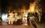 14 oktober Twee geparkeerde auto's in brand Van Kinschotstraat Delft [VIDEO]