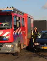 19 december Brandweer blust autobrand Den Hoorn