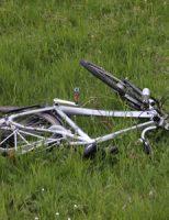 24 april Fietser zwaargewond na aanrijding met auto Poeldijkseweg Den Haag