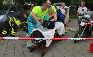 15 augustus Automobilist rijdt over fietser heen Montgomerylaan Delft [Video]