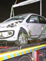 10 juni Automobilist mist bocht en raakt te water Blauwhek Maasdijk [VIDEO]