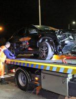 14 november Automobilist vliegt uit de bocht en ramt verkeerslicht Poeldijkseweg Den Haag