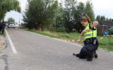 15 augustus Wielrenner eindigd in sloot en raakt zwaargewond na aanrijding Abtswoude Delft [VIDEO]