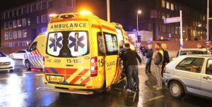 29 maart Twee gewonden bij aanrijding berucht kruispunt Parallelweg Den Haag