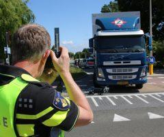 13 juni Meisje gewond na aanrijding met vrachtwagen Middel Broekweg Honselersdijk