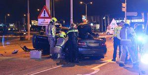 7 september Auto frontaal tegen verkeerspaal; drie gewonden N213 Burgemeester Elsenweg Honselersdijk