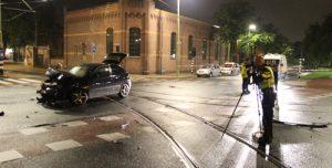 30 juli Drie gewonden bij flinke aanrijding Parallelweg Den Haag