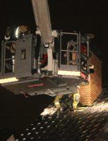 11 april Uitslaande dakbrand na blikseminslag in Schipluiden