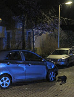 15 februari Brommer krijgt geen voorrang en klapt op auto Leeuweriklaan 's-Gravenzande