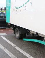 8 januari Personenauto knalt op de zijkant van vrachtauto Oostpoortweg Delft