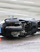 8 september Gewonde bij aanrijding auto vs brommer Voorhofdreef Delft