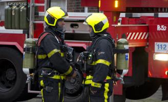 3 december Brandweer redt omwonenden uit de rook Den Haag