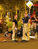 21 april Brandweermannen assisteren bij flinke aanrijding Poortlandplein Delft