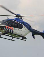 21 augustus Politiehelikopter geland in Den Hoorn voor oefening met politiehonden