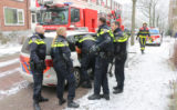 18 januari Verwarde man gooit verschillende objecten op straat Van Kinschotstraat Delft