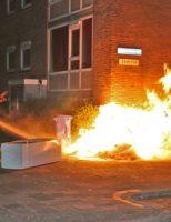 24 april Flinke vlammenzee aan de Meermanstraat in Delft [VIDEO]