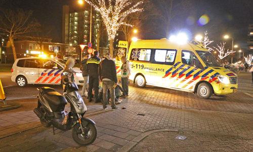 """<h2><a href=""""http://district8.net/20-januari-scooterrijder-gewond-bij-aanrijding-met-personenauto-van-kinschotstraat-delft.html"""">20 januari Scooterrijder gewond bij aanrijding met personenauto Van Kinschotstraat Delft<a href='http://district8.net/20-januari-scooterrijder-gewond-bij-aanrijding-met-personenauto-van-kinschotstraat-delft.html#comments' class='comments-small'>(0)</a></a></h2>  Delft - Vrijdagavond 20 januari heeft er op de Van Kinschotstraat in Delft een aanrijding plaatsgevonden tussen een scooter en een personenauto. De scooterrijder kwam na de aanrijding hard ten"""