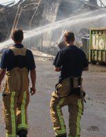 28 augustus Schade zichtbaar en nablussen op 'Day After' Zeer Grote Brand Hooipolderweg Den Hoorn