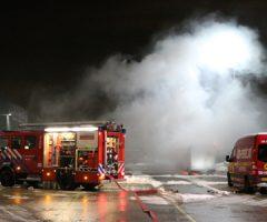 12 december Bestelwagen brandt uit op terrein van Post-NL in Den Hoorn