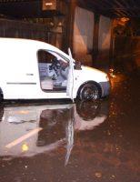9 september Automobilisten komen vast te zitten door ondergelopen weg Binckhorstlaan Den Haag