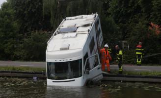 29 juni Camper te water Tramkade Schipluiden