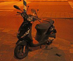 26 juli Scooterrijder gewond bij aanrijding Moerweg Den Haag