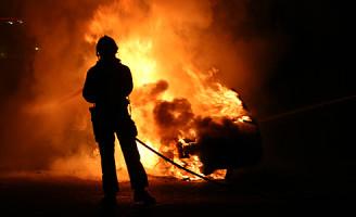 9 maart Auto gaat in vlammen op Kleveringweg Delft