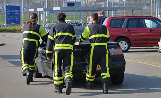 13 maart Personenauto lekt vloeistof parkeerplaats Ikea Delft