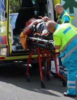 25 juni Brommerrijder gewond na aanrijding Hoornseweg Den Hoorn