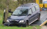 17 oktober Auto rijdt tegen een paal Lange Broekweg Naaldwijk