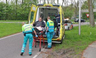 24 april Twee scooterrijders in botsing na uitwijkmanoeuvre Westeinde Delft [VIDEO]