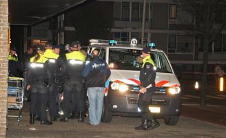 20 oktober Man dreigt van flat te springen Vrederustlaan Den Haag [VIDEO]