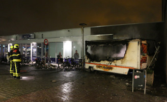 6 juli Snackbar kraam in brand gestoken Papsouwselaan Delft [VIDEO]