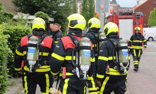 "<h2><a href=""http://district8.net/24-mei-brandweerman-ontdekt-schoorsteenbrand-emmastraat-monster.html"">24 mei Brandweerman ontdekt schoorsteenbrand Emmastraat Monster<a href='http://district8.net/24-mei-brandweerman-ontdekt-schoorsteenbrand-emmastraat-monster.html#comments' class='comments-small'>(0)</a></a></h2>  Monster - Dinsdagavond 24 mei werd de brandweer opgeroepen voor een schoorsteenbrand aan de Emmastraat in Monster. Buren van de woning ontdekten de brand door de flinke hoeveelheid rook die"