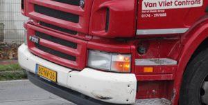 24 november Personenauto komt tot stilstand tegen hekwerk na aanrijding Grote Woerdlaan Naaldwijk