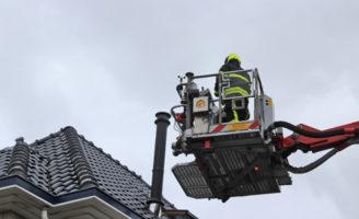 24 mei Brandweerman ontdekt schoorsteenbrand Emmastraat Monster