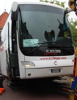 21 juni Touringcar rijdt zich vast op brug Breestraat