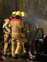 18 december Flinke rookontwikkeling bij autobrand Middel Broekweg Honselersdijk