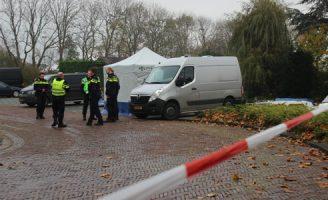 16 november Vermiste vrouw gevonden in sloot Johan van Oldenbarneveldtstraat Honselersdijk