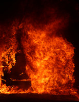 18 april Wéér voertuig in brand Van Kinschotstraat Delft
