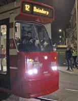 6 december 40 minuten vertraging tram 12 door foutgeparkeerde auto Regentesselaan Den Haag