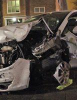8 december Dronken automobiliste botst tegen winkelgevel Jan Luykenlaan Den Haag [VIDEO]